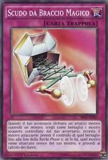 BP03-IT201 SCUDO DA BRACCIO MAGICO - COMUNE - ITALIANO - COLLEZIONAMI SHOP