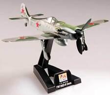 Easy Modelo - Focke Wulf FW-190D-9 III. CCCP 1945 a escala 1:72 Soporte del piso
