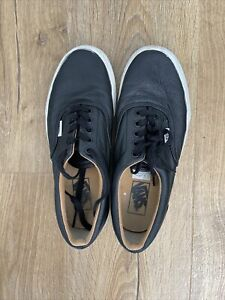 Ladies Vans Classic Trainers  leather Size UK 6 Very Good Condition