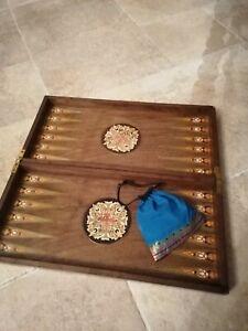 Vintage/antique Wooden inlaid backgammon set