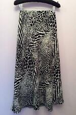 VIYELLA BLACK & WHITE PRINT CALF LENGTH SKIRT SIZE 16 PETITE