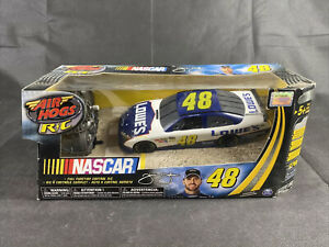 Air Hogs RC NASCAR 1:24 #48 Jimmie Johnson Chevrolet Malibu Lowe's