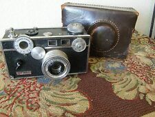 1950 ARGUS 35 MM CAMERA  HEAVY  AS FOUND AND AS IS LEATHER CASE