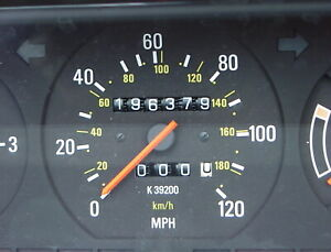 Volvo 240 Instrument Cluster K39200 For 1992 or 1993 Wagons.196,379 miles