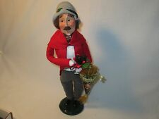 Byers Choice Retired 2003 Man wth Pine Cone Swag and Gift Cone