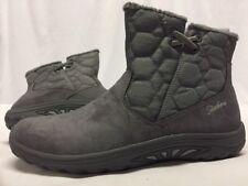 SKECHERS  Winter Women's Boots, Gray Suede Size 6   .....S23