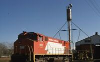 P&W PROVIDENCE & WORCESTER Railroad Locomotive #2002 Barn Original Photo Slide