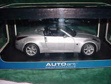 XMAS AUTO ART PERFORMANCE NISSAN 350 Z ROADSTER 1:18 SCALE COLLECTIBLE CAR MIB