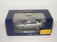Opel Vectra Limousine, 1:43 starsilber metallic
