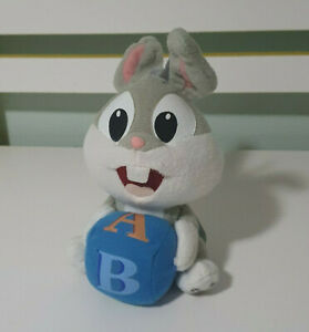 BUGS BUNNY PLUSH TOY HOLDING A BLOCK BABY BUGS LOONEY TUNES CHARACTER TOY 17CM