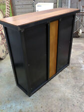 Bar industriel fabrication sur mesure meuble industriel métal décoration