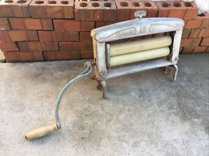 Vintage Lovell Metal Clothes Wringer Hand Crank Mangle Erie Pennsylvania Antique