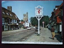 POSTCARD KENT BIDDENDEN - C1980 - THE RED LION & VIEW DOWN STREET