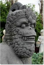 Gartenfiguren & -skulpturen aus Lavastein mit Naturstein-Motiv