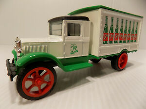 Ertl 1931 Hawkeye 7 Up Delivery Truck # F 096 NOS