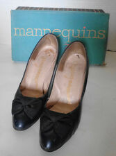 Vintage Navy Blue Leather Shoes with Bow Mannequin Size 8 Aa