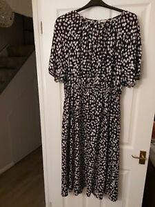 Ladies Black/white Dress From H&M Size XL (18-20)