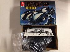 AMT / ERTL  Batman Batmobile Model Kit 1:25 scale (815H)  6877