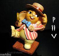 NEW Pendelfin Frankie, Barber shop singer   figurine rabbit Bunny w/ Box