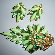 VTG JULIANA GREEN MILK GLASS AB RHINESTONE BROOCH PIN EARRING SET