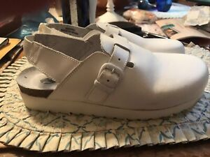 Cherokee by Rockers Womens Ladies White Leather Nursing  Shoes Sz 8