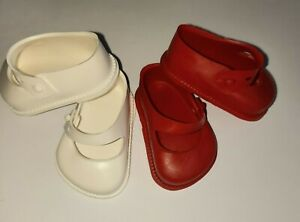 2 prs Size 1 Cinderella doll shoes.1 x Red and 1x White. Vintage.