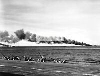 """WWII photo 20-mm guns """"Oerlikon"""" aircraft carrier """"Enterprise"""" looking out f 204"""