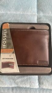 Mens Fossil Genuine Leather Brown Zip Passcase Wallet