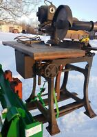 Antique 1923 Hutchinson Woodworking Beaver Machine Saw Drill Jointer belt drive