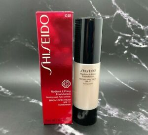 Shiseido Radiant Lifting Foundation Firming SPF17 - O20 Natural Light Ochre Box