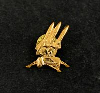 🌟Raytheon US Military MIM-23 Hawk SAM Missile Pin, Gold Pin For Hat, Shirt, Tie