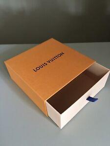 Louis Vuitton, scatola box  a cassetto estraibile