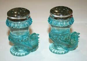 BOYD Art Glass SET Of BIRD or Chic Salt And Pepper Shakers LIGHT BLUE -excellent
