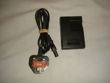 OLYMPUS LI-ION MAINS BATTERY CHARGER LI-40C + 3 PIN POWER CORD - IN GOOD COND