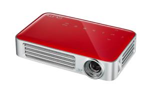 Vivitek Qumi Q6 Pocket Projector RRP $1,199 on Sale for $599