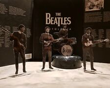 Look incredibly real! The Beatles Rooftop concert figures cristal clear acrylic