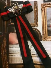 Tie Style Grosgrain Ribbon Brooch Black/Red With Large Honey Bee
