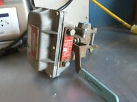 Jamesbury  Supervisory FUEL GASES OIL Cock Microswitch 32ex4b  1051 34a2 NEW $99