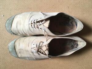Vintage retro White Intershu toe capped plimsolls