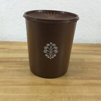 TUPPERWARE  Brown Servalier Canister 805-5 With Brown Lid 806-2 Vintage