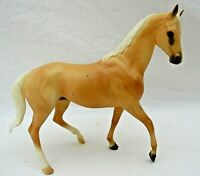 Breyer Horse Tan Classic Racing Thoroughbred Kelso 2001 Breyerfest