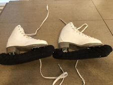 Girls size 2 Riedell Figure Ice Skates Kids Youth Ladies Padded Comfort Model 13