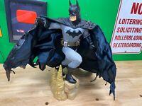 DC Direct Batman Museum Quality 1/4 Scale Statue - issue w/ cape