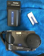 Sony DSC-S30 Cyber-Shot Digital Camera 1.3 Mega Pixels W/ Charger & Battery