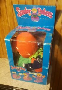 Vintage 1986 Sneaker Peekers Plush Toy by Gata with Box