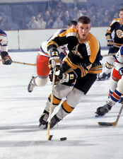 GLOSSY PHOTO PICTURE 8x10 Bobby Orr Running On Ice