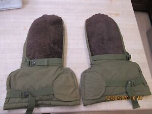 Military Issue Extreme Cold Weather Arctic Mittens