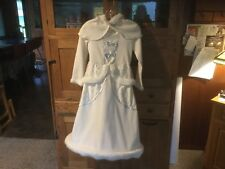 Pre Owned Rarget's SNOW QUEEN Dress/Cstume. Girls Med. 6-8.  White with Cape.