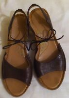 Ladies Brown Leather Clarks Ankle Strap Sandals Shoes Size 6