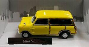 1:43 Scale Mini Van